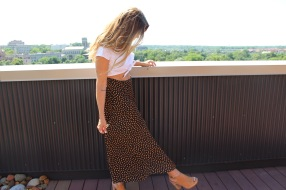 Blouse from Tandem Vintage. Skirt found thrifting in LA. Shoes from Evereve.